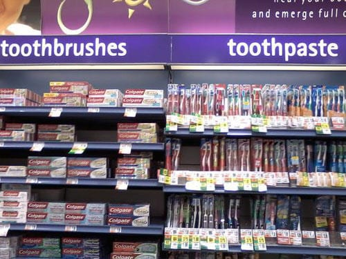 funny-you-had-one-job-toothpaste-toothbrush