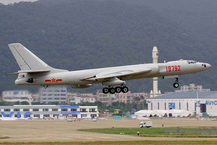 PLAAF_Xian_HY-6_Li_Pang-china-weapons