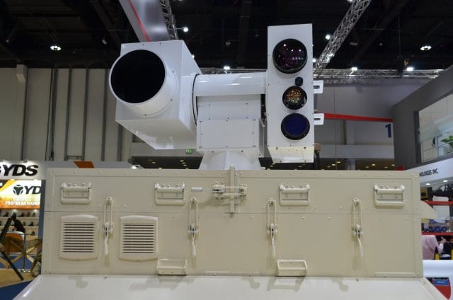 China-made_Silent_Hunter_laser_air_defense_system_exhibited_at_IDEX_2017_640_001