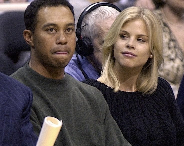 tiger-woods-elin-nordegren-photos-11282009-02-860x675