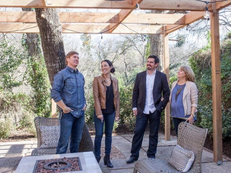 As-seen-on-Fixer-Upper-Chip-and-Joanna-Gaines-and-the-Barrett-family-talk-about-the-functionality-of-the-backyard.-768x576