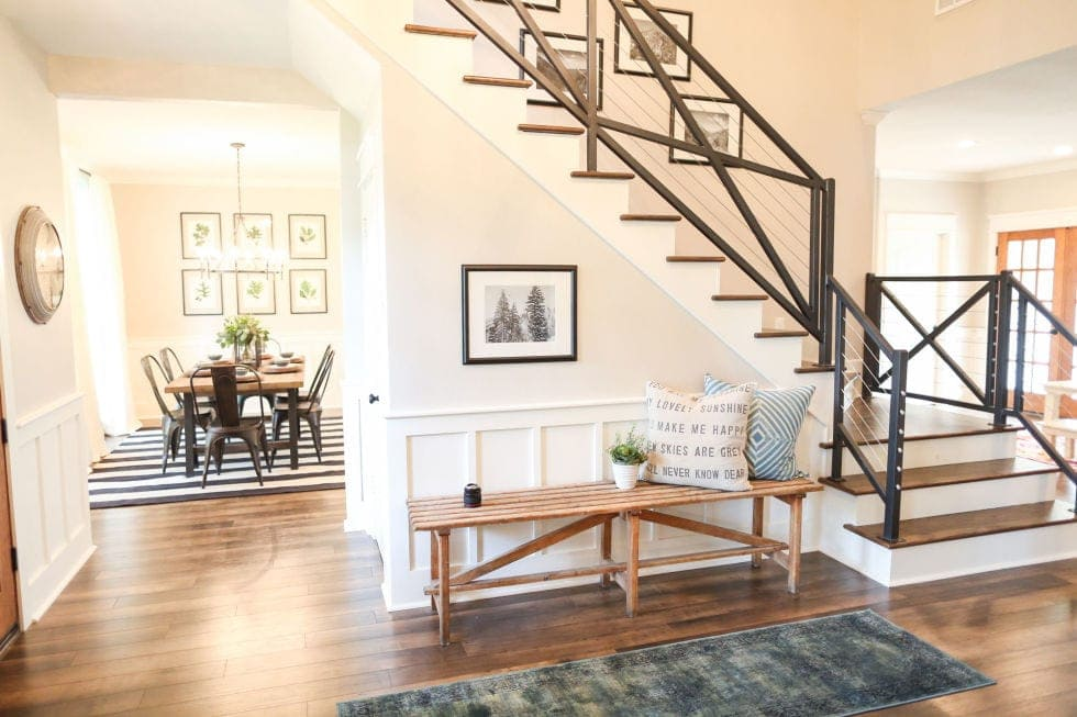 the untold truth behind chip and joanna gaines and fixer upper kiwireport. Black Bedroom Furniture Sets. Home Design Ideas