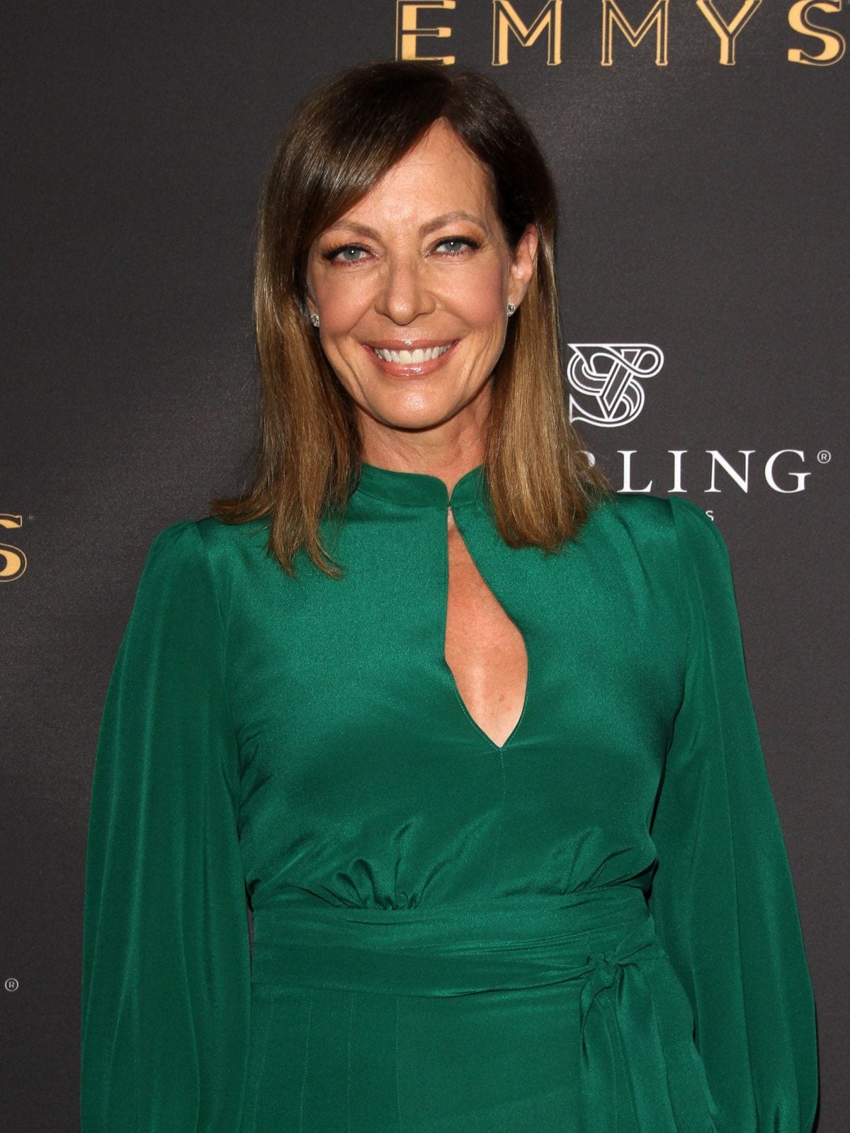 allison-janney-at-emmys-cocktail-reception-in-los-angeles-08-22-2017_1