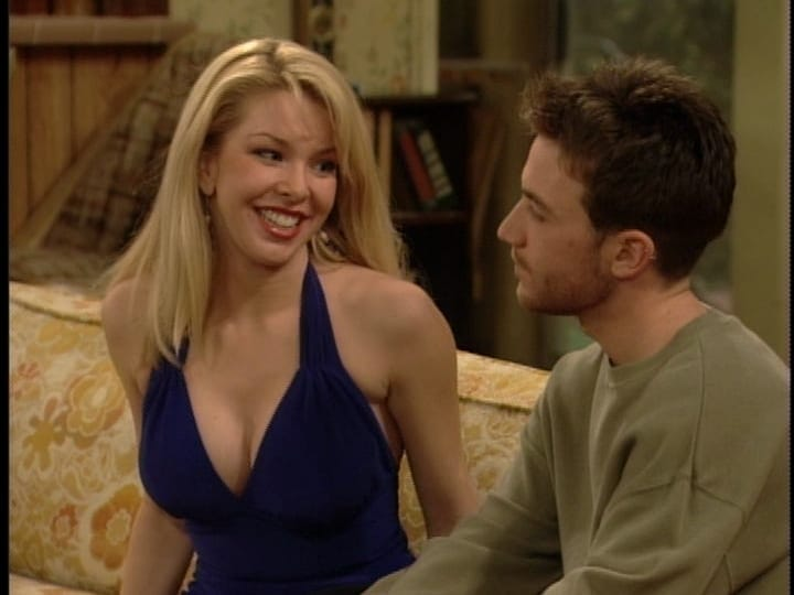 Most memorable women from Married with Children - then and now | KiwiReport